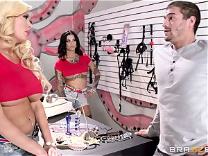 Summer Brielle and Bonnie Rotten share a fortunate client