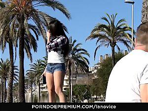 LA novice - Mea Melone strong pov drill outdoors