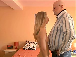 youthful assistant fucks elder guy manager nails sexy chick