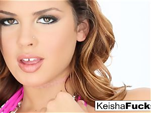 red-hot adult movie star Keisha gets her wet honeypot pulverized
