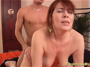 red-haired stepmom need a mighty spear