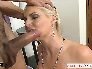 fancy Phoenix Marie takes shaft in her bald fuck hole