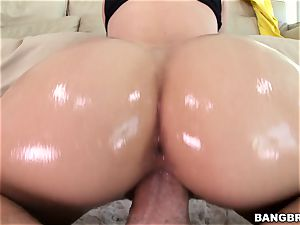 Jessa Rhodes is lubricated up and ready to be pummeled