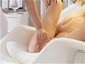 Kira Noir and Elsa Jean spend some time in vulva