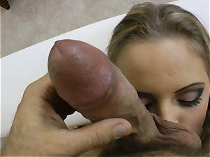 splendid blondie Vanda eagerness pummeled in her bulls eye