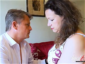 AgedLovE Bussinesman Seduced by torrid Mature mommy