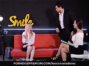 LOS CONSOLADORES - bulky pecker for 2 beautiful honies