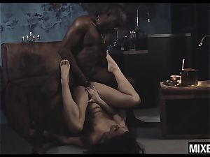steamy Amirah Adara gets her bum stretched by monster bone