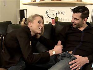 LA COCHONNE - super-steamy buttfuck with mischievous French blondie